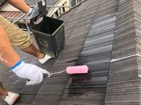 水戸市 A様邸 屋根塗装(下塗り・中塗り)
