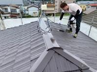 清原台 O様邸 屋根塗装(上塗り)