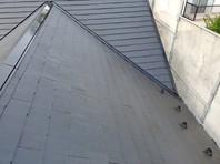 日立市 N様邸 屋根塗装(下塗り・中塗り・上塗り)
